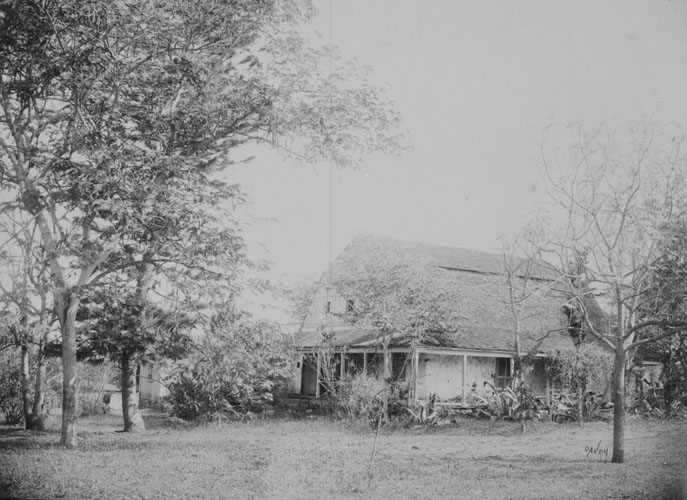 Emerson_House,_Waialua,_Oahu,_photograph_by_Frank_Davey,_N-0391A,_Mission_Houses_Museum_Archives