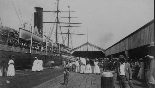 Honolulu-harbor-1890